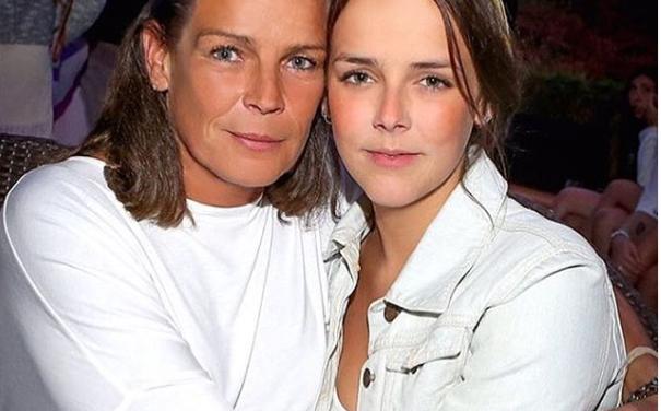 15 ans après la mort du prince Rainier de Monaco, sa fille lui rend bel hommage.