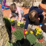 En pleine pandémie du corona virus, Jacques et Gabriella Grimaldi, les princes monégasques pratiquent le jardinage